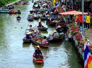 Tha-Kha-Floating-Market